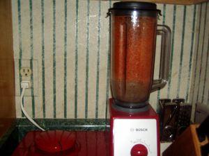 Bosch blender grinding up tomato skins
